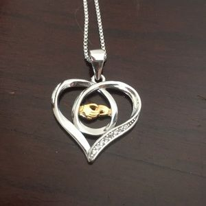 Mother/ child hands necklace!